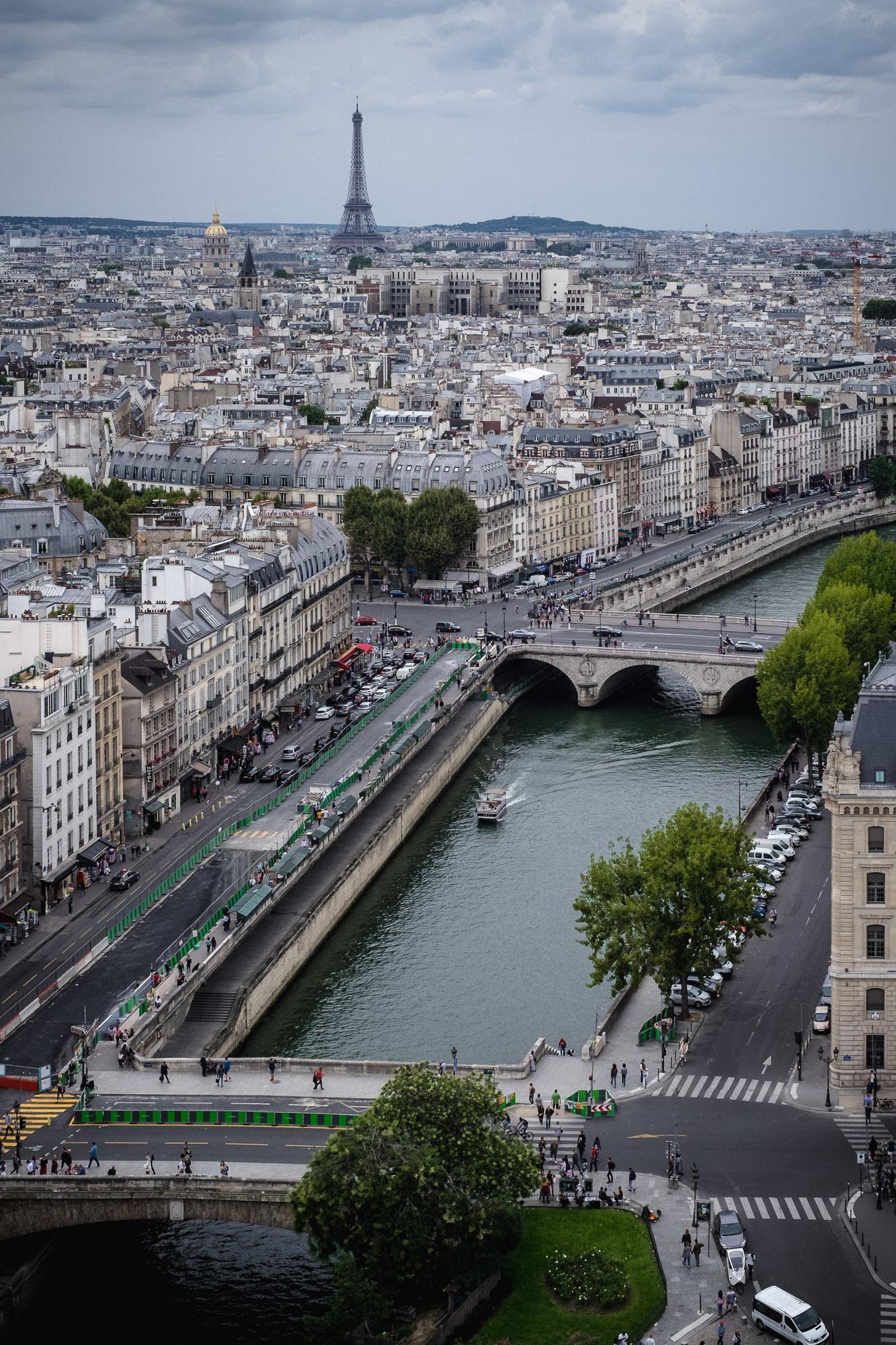 Metro Views (Paris)